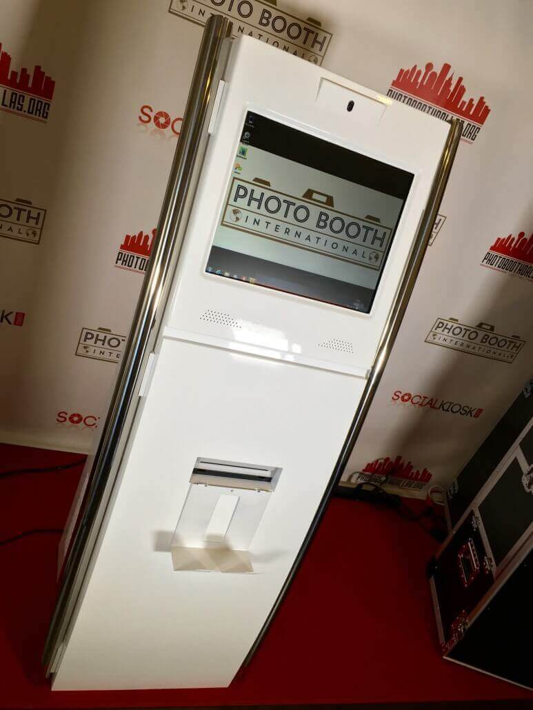 social kiosk front6 3.0