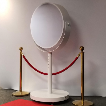 beauty mirror photo booth